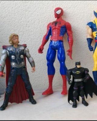 Muñecos acción spider, batman, thor