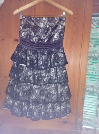vestido y traje