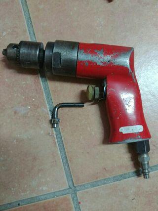 Taladro neumático