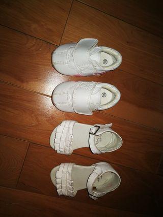 Sandalias y deportiva