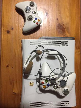 Consola xbox 360 + Juego a elegir