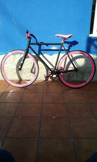 se vende bici fixie