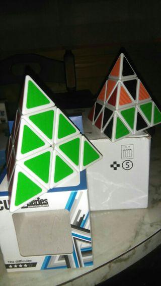 Cubo Rubik pirámide triángulo