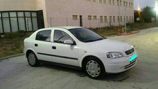 Opel Astra 2004..1.6gasolina todos los extras.