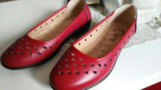 bonitos zapatos nuebos rojo num 40