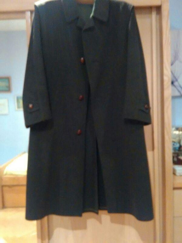 nuevo concepto e36d8 a4607 Abrigo austriaco de caballero de segunda mano por 30 € en ...