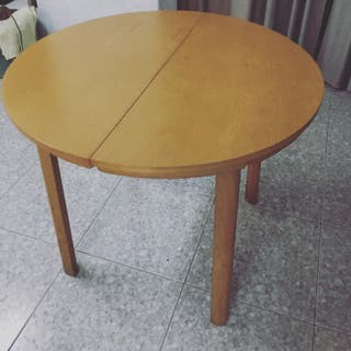 Mesa redonda de madera de segunda mano por 70 en teulada for Mesa redonda segunda mano