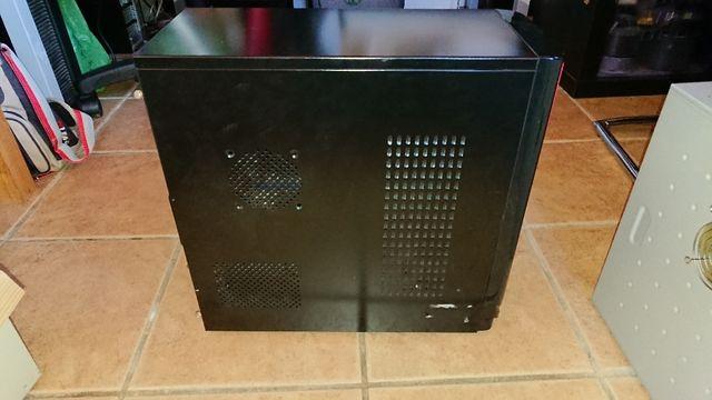 Caja semitorre con fuente alimentación 500W