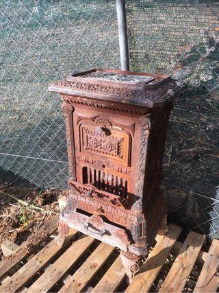 Estufa chimenea antigua