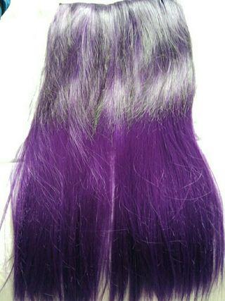 Extensiones de pelo moradas
