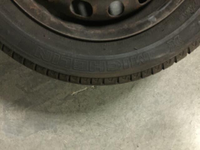 Neumatico Michelin con llanta