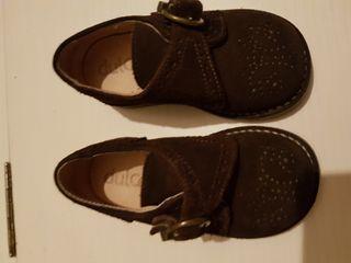 Zapato niño, marrones, marca dulces. Talla 21