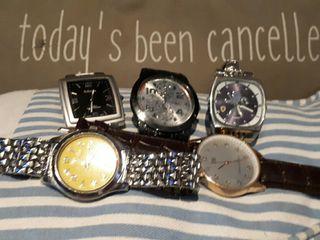 5 relojes sin uso en perfecto estado