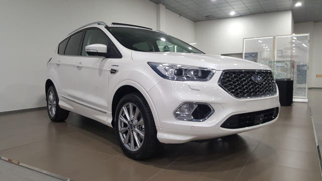 Ford Kuga 2.0 TDCi 110kW 4x4 ASS Vignale Powers.