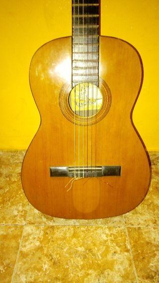 Guitarra flamenca raimundo