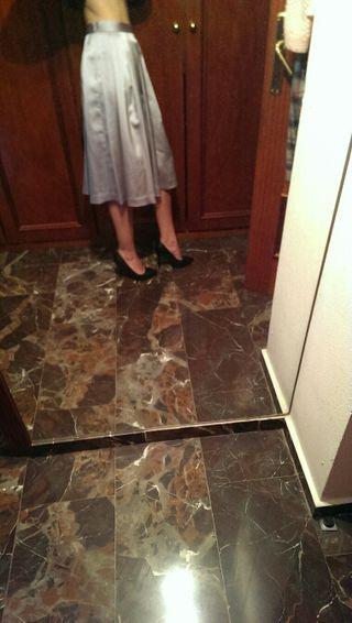 falda plateada zara