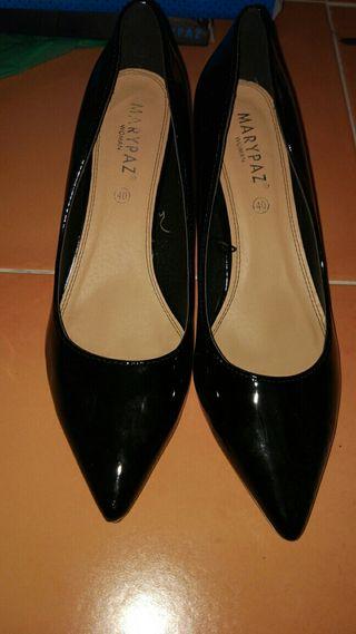 Zapatos de salon de charol
