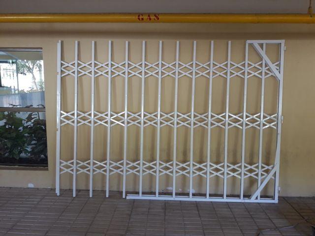 Chollo puerta de acordeon de segunda mano por 160 en for Puerta de acordeon castorama
