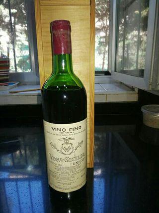 Vega Sicilia, botella de vino