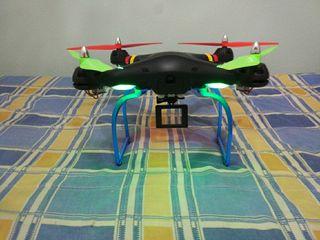 Dron Syma X8 con todos los accesorios