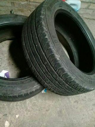dos ruedas impecables 215/55/ZR 17