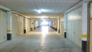 Doble parcela de garaje cerrada junto a metro