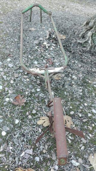 Arado de espuela antiguo