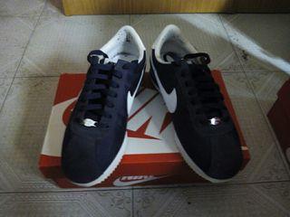 a85f6bfbe35 Zapatillas Nike Cortez de segunda mano en Barcelona en WALLAPOP