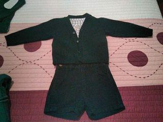 conjunto de camisa, pantalón de pana y chaqueta