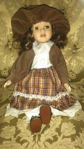 Muñeca porcelana.