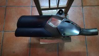 escape Ducati 821