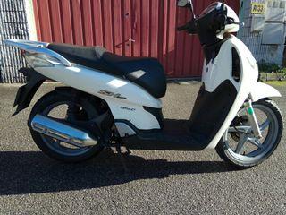 Honda sh 125 09