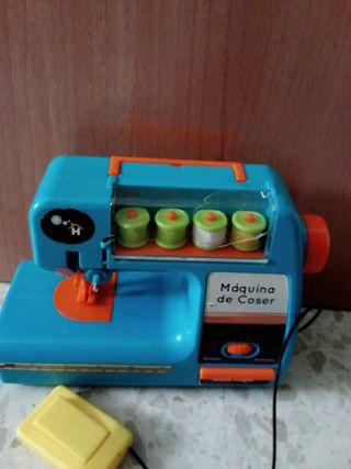 Maquina de coser de juguete ,para cocinitas
