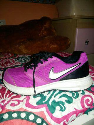 zapatillas Nike talla 36 y medio
