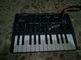 sintetizador teclado arturia