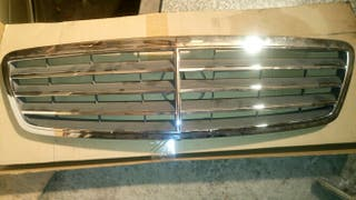 Rejilla radiador mercedes clase c