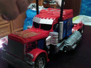 Transformers octimus prime