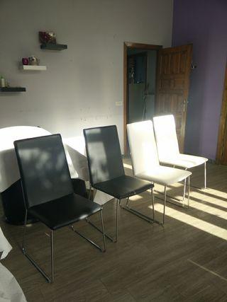 Conjunto de 4 sillas en polipiel