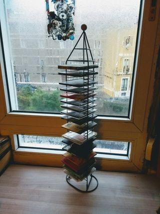 Estantería de discos tipo torre