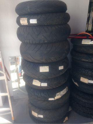 Neumático moto 240/50/R16 84V al 40%vida útil