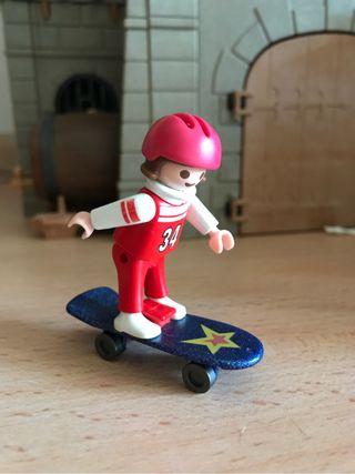 Playmobil niña con Monopatín