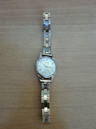 Antiguo reloj de pulsera de mujer