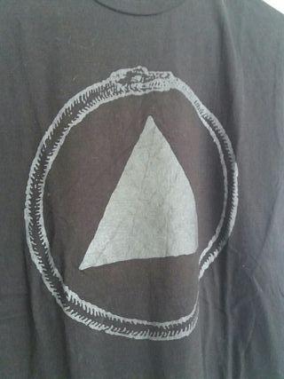 "Camiseta negra talla s ""Sacred Bones"""