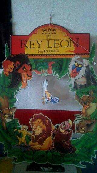rey león cartel promocional en su extreno