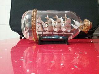 maqueta velero en botella