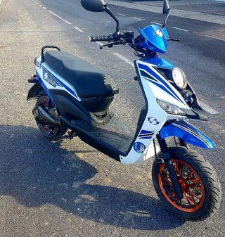 Moto eléctrica, ciclomotor.