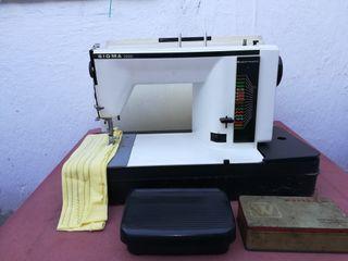 Maquin de coser funciona bien