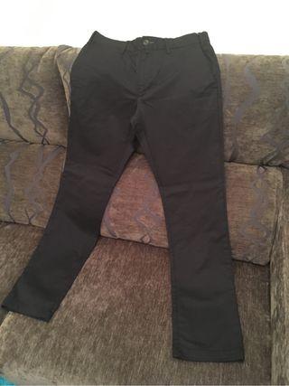 Pantalón negro de hombre