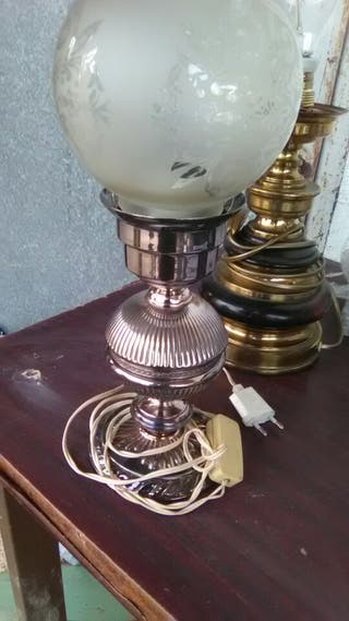 lámpara mesa plateada preciosa