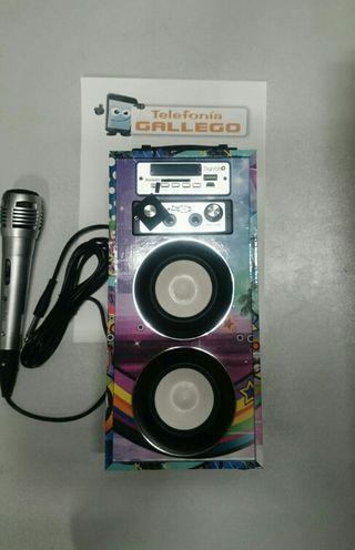 Altavoz bluetooth con función Karaoke